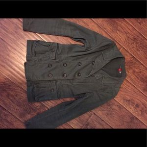 Olive green jacket with from pockets.